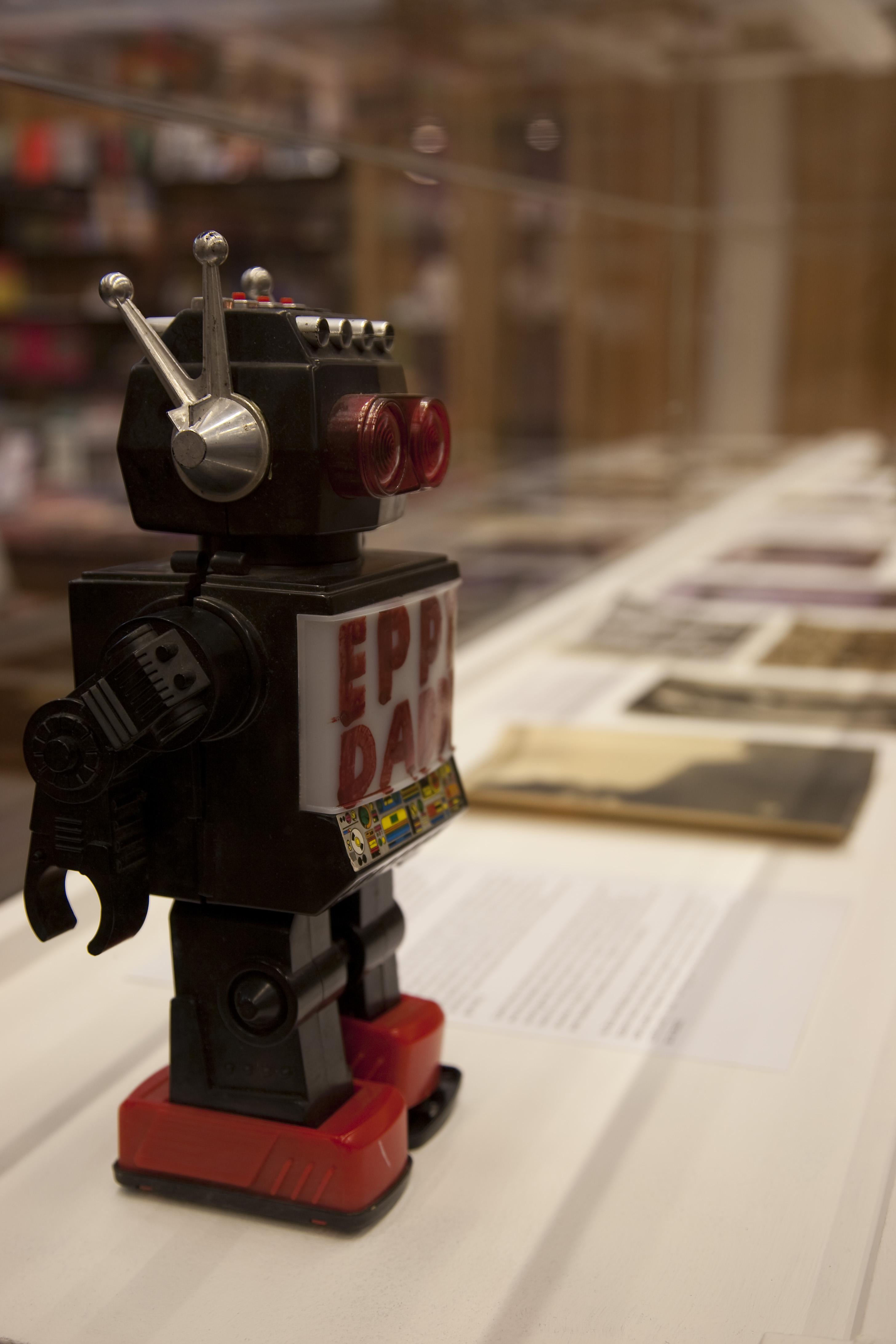Smith, Bob & Roberta Eppy Daddy Battle Bot (Maquette)